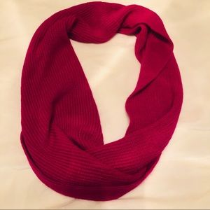 2/$15 (Bundle) Under Armour Infinity Scarf